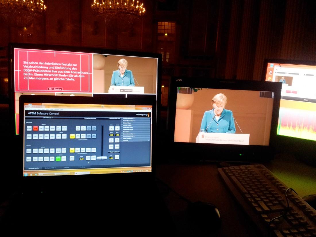 Livebroadcast Bundeskanzlerin Merkel Berlin